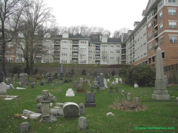 cemeterycondos